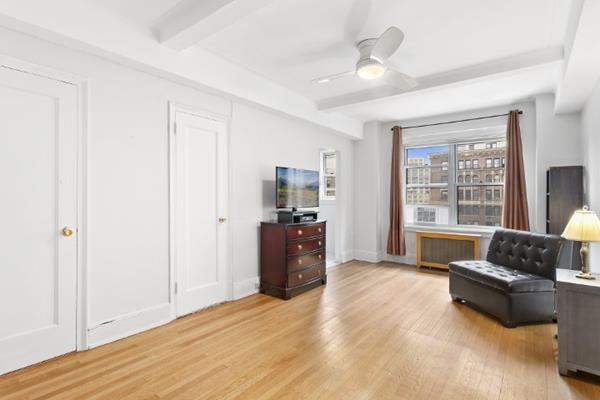 304 West 75th Street Lincoln Square New York NY 10023