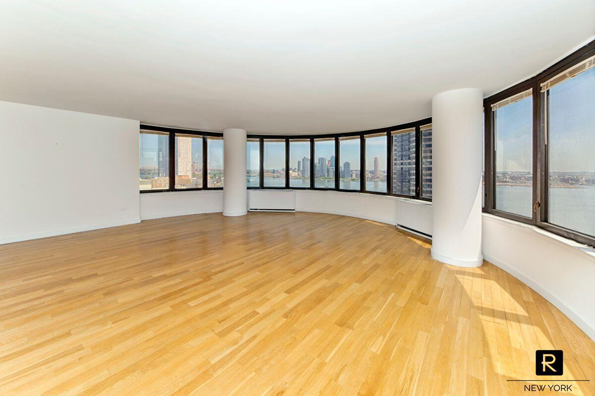 330 East 38th Street Murray Hill New York NY 10016