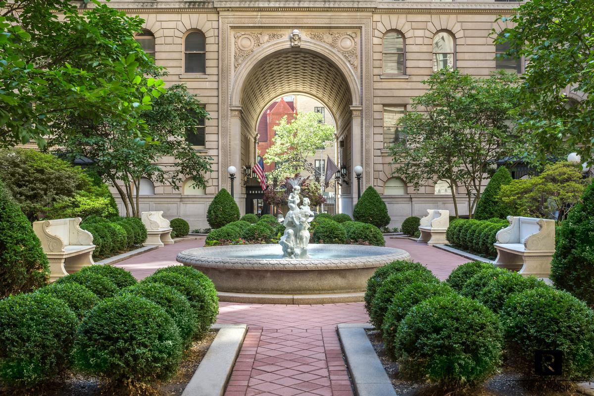 390 West End Avenue Upper West Side New York NY 10024