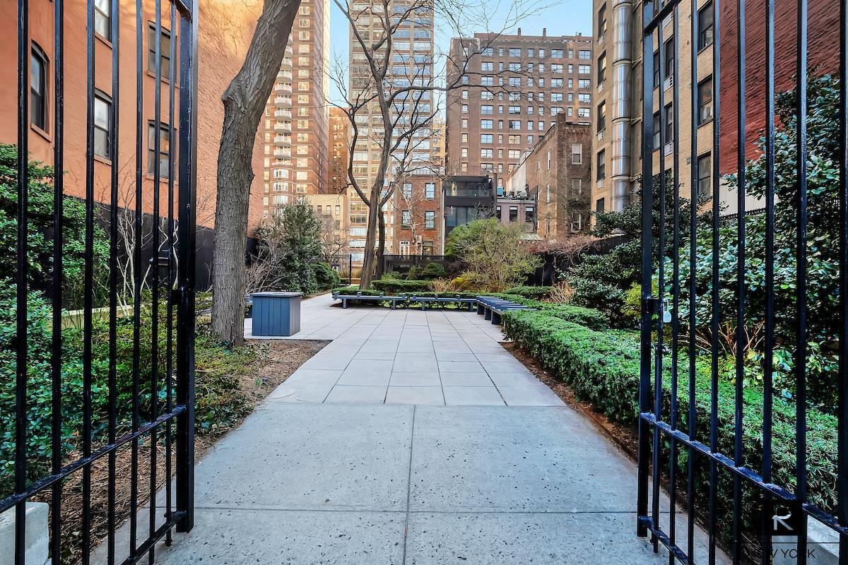 400 East 59th Street Sutton Place New York NY 10022